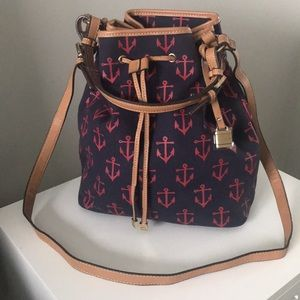 Beautiful Bucket bag.